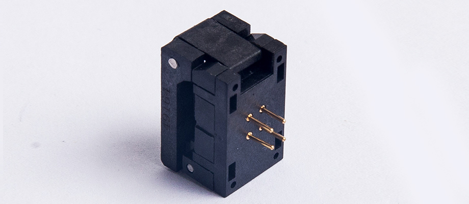 Crystal oscillator socket